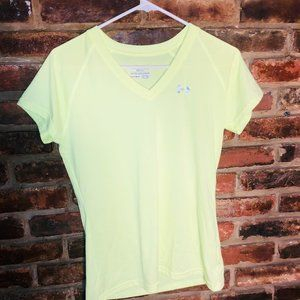 Under Armour Small Heat Gear Semi-Fitted Tee Shirt